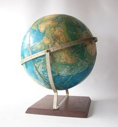 vintage globe world portrait globe rand by RecycleBuyVintage, $70.00 www.recyclebuyvintage.etsy.com