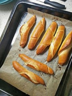 Croissant Bread, Bread Rolls, No Bake Desserts, Hot Dog Buns, Bread Recipes, Food And Drink, Veggies, Tasty, Lunch