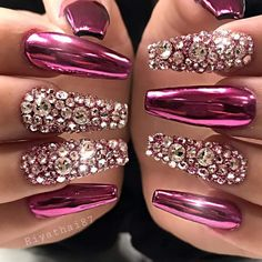 Ballerina Nails or Coffin Nails are a popular Manicure trend. Check out some of the best Ballerina Nail Art ideas and inspirations here. Bling Acrylic Nails, Best Acrylic Nails, Rhinestone Nails, Bling Nails, Coffin Nails, 3d Nails, Pretty Nail Art, Beautiful Nail Art, Gorgeous Nails