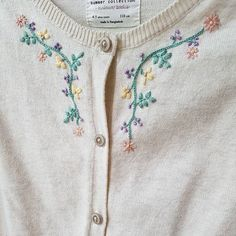 Wonderful Ribbon Embroidery Flowers by Hand Ideas. Enchanting Ribbon Embroidery Flowers by Hand Ideas. Embroidery On Clothes, Shirt Embroidery, Embroidered Clothes, Learn Embroidery, Embroidery Fashion, Silk Ribbon Embroidery, Hand Embroidery Patterns, Vintage Embroidery, Cross Stitch Embroidery