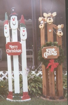 Wooden painted Christmas decorations . Looks easy to make.
