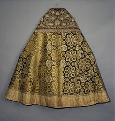 Vestment | Turkey | 17th century | silk, gold & silk threads, braid | embroidery in satin stitch and patterned raised technique | The Hermitage | Inventory #: Тур-349