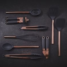 Rose Gold Finish and Silicone Solid Turner – Liddy Lifestyle Cool Kitchen Gadgets, Kitchen Items, Kitchen Utensils, Cool Kitchens, Cooking Utensils, Kitchen Tools, Küchen Design, Layout Design, Vase Deco