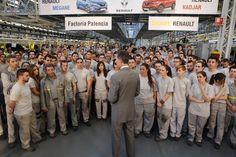 El Rey Felipe VI visitó la factoría que el @Groupe_Renault tiene en Palencia. 01-06-2016
