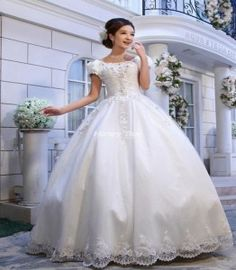 My Future Wedding Dress :)   wedding gown with puff sleeves and ball gown bottom | ball gown wedding dress lace sleeves 262x300 | celebrity fashion