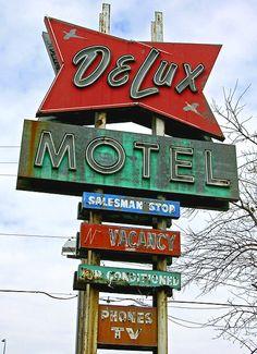 DeLux Motel ~ Sioux Falls Minn #boulderinn