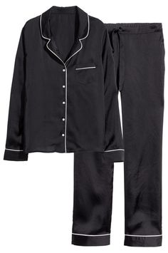 17 Pajamas Sets To Make That Extra Hour Of Sleep Even Better #refinery29  http://www.refinery29.com/pajamas-sets#slide12