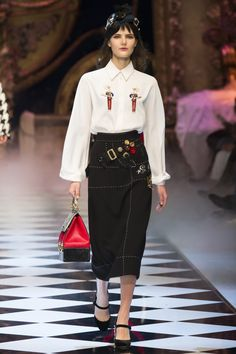 Dolce & Gabbana Fall 2016 Ready-to-Wear, http://mmoda.net/dolce-gabbana-fall-2016-ready-to-wear/,  #2016 #dolcegabbana #fall #readytowear