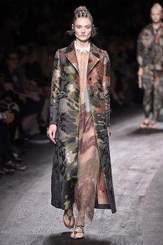 Valentino Ready to Wear Spring 2016 | WWD