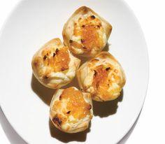 Safeway Select Caramelized Onion & Gorgonzola Pastry Puffs