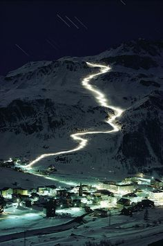 Skiers bearing torches ski down Mont Blanc glaciers to Val d'Isere - France by: George F. Places Around The World, Oh The Places You'll Go, Places To Travel, Places To Visit, Around The Worlds, Travel Pics, Isere France, Voyager C'est Vivre, Val D'isère