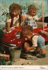 87095  Gemeinsam geht´s besser! - Mecki m. Igelkinder beim Auto waschen