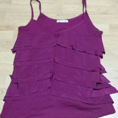 WILL ONLY SELL IN BUNDLE Very pretty could be dressy but also comfy Old Navy Tops Tank Tops