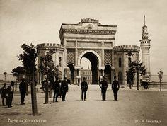 Seraskerat Kapısı ( İstanbul Üniversitesi girişi ) - 1900 yılı ( Mihran Iranian )  Gate of the Istanbul University 1900s  Tarih Durağı  http://www.tarihduragi.com/2016/07/beyazt-kulesi.html  #beyazit #seraskerat #hayırlıcumalar #abdulhamit #bluemosque #sultanahmet #istanbul #history #tarih #tarihtebugun #tarihten #historychannel #ottoman #gununfotografi #photooftheday #gununkaresi #instagram_turkey #love #tweegram #photooftheday #picoftheday #photography #photo  #turkishf