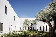 Gallery of Courthouse / Ateliers 2/3/4/ - 1