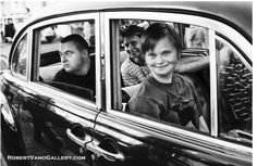 """R. Baranovič vnáša do čiernobielych fotografií """"človečinu"""" a emócie"""