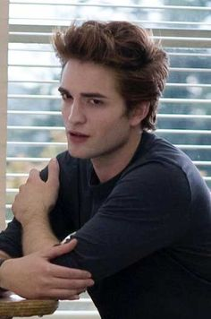 PATTINSON,ROBERT | Fotos de Robert Pattinson protagonista de Crepúsculo.
