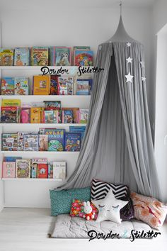 Oficina F Atilde Iexcl Rea Tenda Cabana Playroom Ideas Rincones De Lectura Playroom Design, Kids Room Design, Playroom Ideas, Playroom Organization, Toddler Bedroom Ideas, Playroom Art, Nursery Ideas, Baby Bedroom, Girls Bedroom