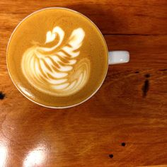SWAN  #latteart #latteartporn #flatwhite #coffee #eat3280 #destinationwarrnambool #freepour #freepourart #specialtycoffee #roughdiamond #warrnamboolcafe #warrnamboolcoffee #warrnamboolbreakfast #warrnamboollunch #warrnambool #greatoceanroad by rough_diamond_coffee