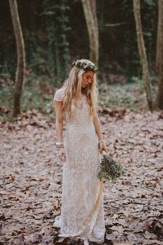 lace wedding dress for boho brides #weddingdresses #weddingdress #bohowedding