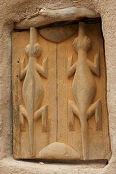 Mali Carving