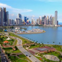 Panama City, view from the area of the end of Avenida Balboa towards Marbella and Punta Paitilla