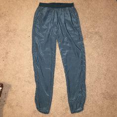 H&M teal printed harem pants with bottom slit Elastic waist. H&M Pants Skinny