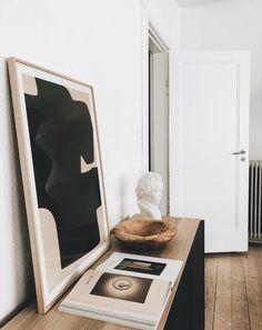 Minimalist Bathroom Ideas and Inspiration Home Decor Accessories, Decorative Accessories, Fashion Accessories, Hallway Decorating, Interior Decorating, Interior Architecture, Interior And Exterior, Interior Styling, Interior Design