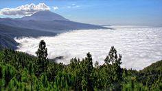 Mar de nubes en Tenerife con el Teide al fondo