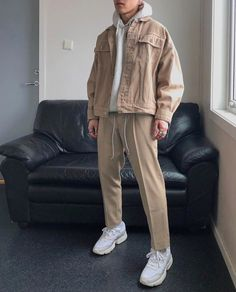 mr beige back again, but this time with a partnership with adidas thanks for the… Mode Outfits, Retro Outfits, Fashion Outfits, Fashion Boots, Fresh Outfits, Grunge Outfits, Fashion Black, Simple Outfits, Fashion Wear