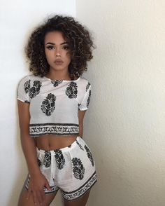 Cute Summer two piece. Curls For The Girls, Gorgeous Hair Color, Crop Top Set, Bad Girls Club, Wattpad, Be Natural, High End Fashion, Outfit Goals, Hair Goals