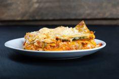 Lasagnes de courgettes : De délicieuses lasagnes ! Cannelloni, Sauce Tomate, Lasagna, Ethnic Recipes, Food, Zucchini, Zucchini Slice, Gratin, Main Course Dishes