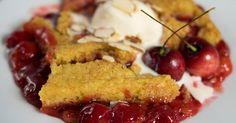 Easy Slow Cooker Cherry Dump Cake