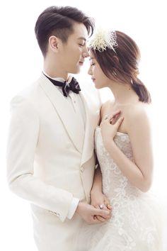 Ngất ngây với bộ ảnh cưới và không gian tiệc lãng mạn của Trần Hiểu - Trần Nghiên Hy