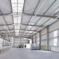 Industrial Sheds, Industrial Interiors, Industrial Design, Steel Structure Buildings, Building Structure, Factory Architecture, Steel Trusses, Warehouse Design, Daal