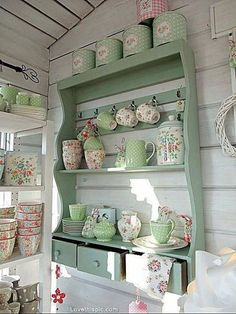 Beautiful For my dining room! Shabby Chic Kitchen Shelf home kitchen decorate shabby chic teacups shelf display design ideas interior design The post For my dining room! Shabby Chic Kitchen S . Shabby Chic Kitchen Shelves, Cocina Shabby Chic, Shabby Chic Mode, Estilo Shabby Chic, Shabby Chic Living Room, Vintage Shabby Chic, Shabby Chic Furniture, Vintage Stil, Vintage Furniture