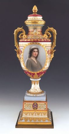 Massive Royale Vienna porcelain urn with painted