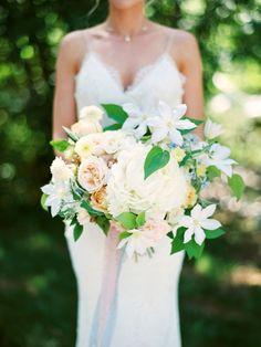 Romantic Bee Themed Lakeside Wedding in Montana: http://www.stylemepretty.com/montana-weddings/polson/2015/10/13/romantic-bee-themed-lakeside-wedding-in-montana/ | Photography: Jeremiah and Rachel - http://jeremiahandrachel.com/
