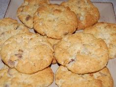 Granny's Weet-Bix Biscuits - Best Recipes - A sweet, crunchy biscuit that's always popular. Gourmet Recipes, Baking Recipes, Sweet Recipes, Cookie Recipes, Baking Ideas, Biscuit Cookies, Biscuit Recipe, Giant Cookies, Cookie Cakes