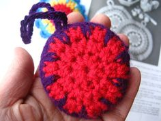 Attic24: Crochet Christmas Decorations :: Ta-dah!!