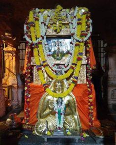 Shri Ganesh Images, Hindu India, Good Morning Beautiful Images, Goddess Lakshmi, Lord Vishnu, God Pictures, Hindu Art, Sai Baba, Hinduism