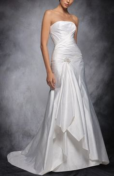 Strapless Overlay Ruffles Trumpet Wedding Gown