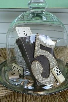 ~` centerpiece or table marker `~ I really really like this idea as well