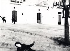 From Puglia series, Mario Giacomelli Surrealism Photography, Film Photography, Street Photography, White Photography, Weegee, Dreams And Nightmares, Southern Italy, Mario, Paris Photos