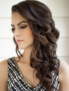 trendy wedding hairstyles with braids to the side curls hairdos Side Curls Hairstyles, Wedding Hairstyles For Long Hair, Weave Hairstyles, Bridesmaid Hairstyles, Dress Hairstyles, Curled Hairstyles For Medium Hair, Hairstyles Pictures, Updo Hairstyle, Bridesmaid Hair Side