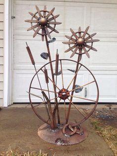 This is a creative & interesting yard art metal sculpture, don't you think? Welding Art Projects, Welding Crafts, Metal Art Projects, Metal Crafts, Welding Ideas, Diy Welding, Metal Yard Art, Metal Tree Wall Art, Scrap Metal Art