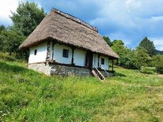 MARAMURES Treehouse, Traditional House, Old Houses, Romania, Places To Visit, Cottage, House Design, Landscape, Country