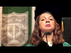 Maya Rudolph Added Beyoncé Lyrics To The National Anthem And It's Perfect