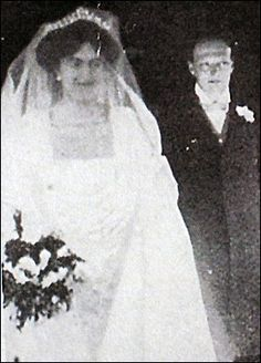 1908 wedding of one of Britain's most famous men - Sir Winston Churchill and his bride Clementine.