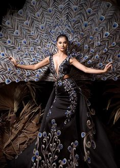 an experiential beauty, lifestyle and travel site based in the Philippines. Carnival Inspiration, Decades Fashion, Filipiniana Dress, Filipino Fashion, Spanish Dress, Rosarito, Red Carpet Gowns, Gala Dresses, Costume Design